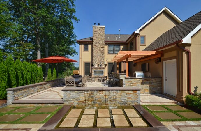 Residential outdoor living spaces-Midland TX Professional Landscapers & Outdoor Living Designs-We offer Landscape Design, Outdoor Patios & Pergolas, Outdoor Living Spaces, Stonescapes, Residential & Commercial Landscaping, Irrigation Installation & Repairs, Drainage Systems, Landscape Lighting, Outdoor Living Spaces, Tree Service, Lawn Service, and more.